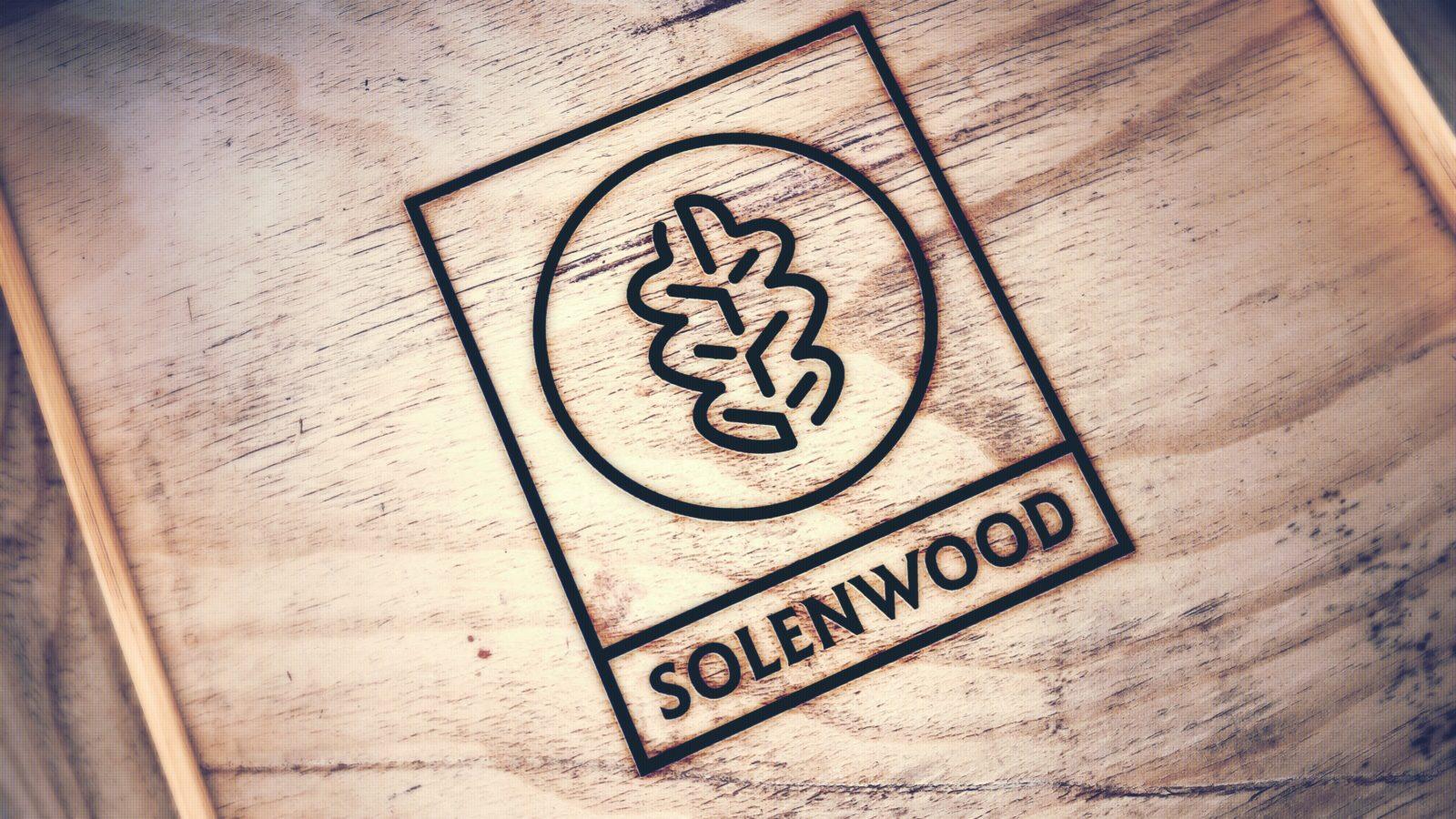 логотип столярной мастерской мокап